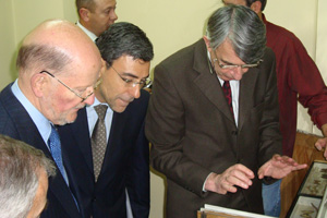 On 29 April 2009 NMSII Leader Simeon Saxe-Coburg-Gotha and Vice-Premier and Minister of Education and Science Daniel Valchev visited the National Museum of Natural History at the Bulgarian Academy of Sciences (c) NMNHS (1)