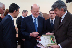 On 29 April 2009 NMSII Leader Simeon Saxe-Coburg-Gotha and Vice-Premier and Minister of Education and Science Daniel Valchev visited the National Museum of Natural History at the Bulgarian Academy of Sciences (c) NMNHS (3)