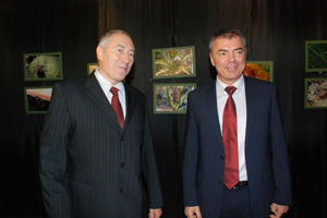 Prof. Sergei Ignatov and Prof. Eugene Nickolov visited the National Museum of Natural History (1) (c) M. Tsaneva